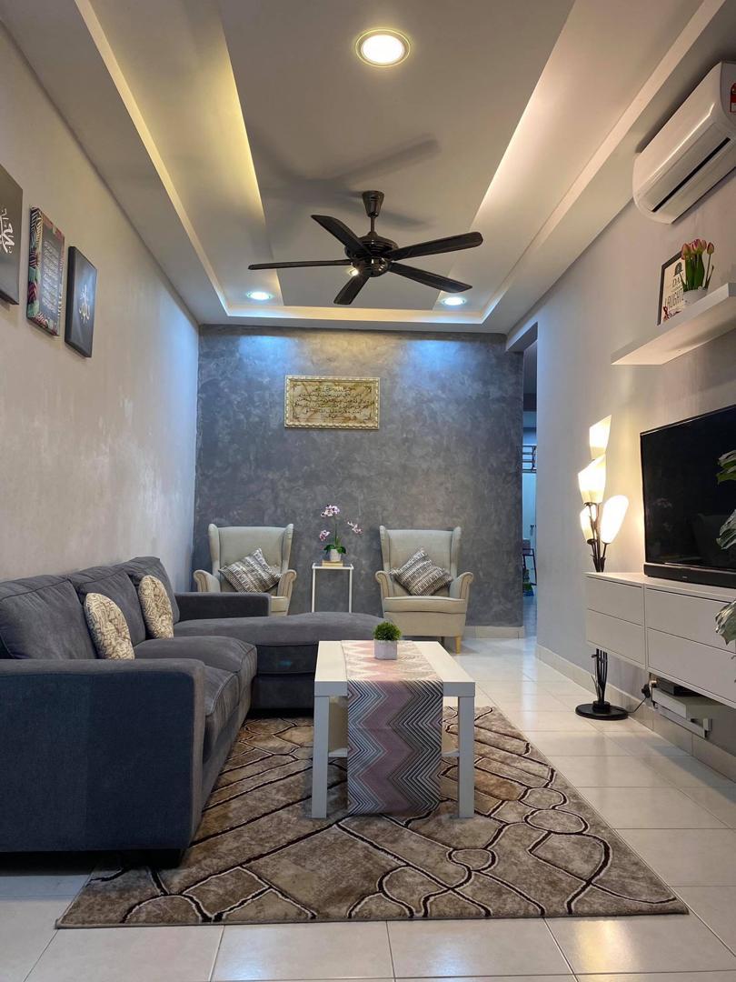 Idea Dekorasi Ruang Tamu Jenis Memanjang Rumah Teres Setingkat 22 70 Sqft Ilham Dekorasi