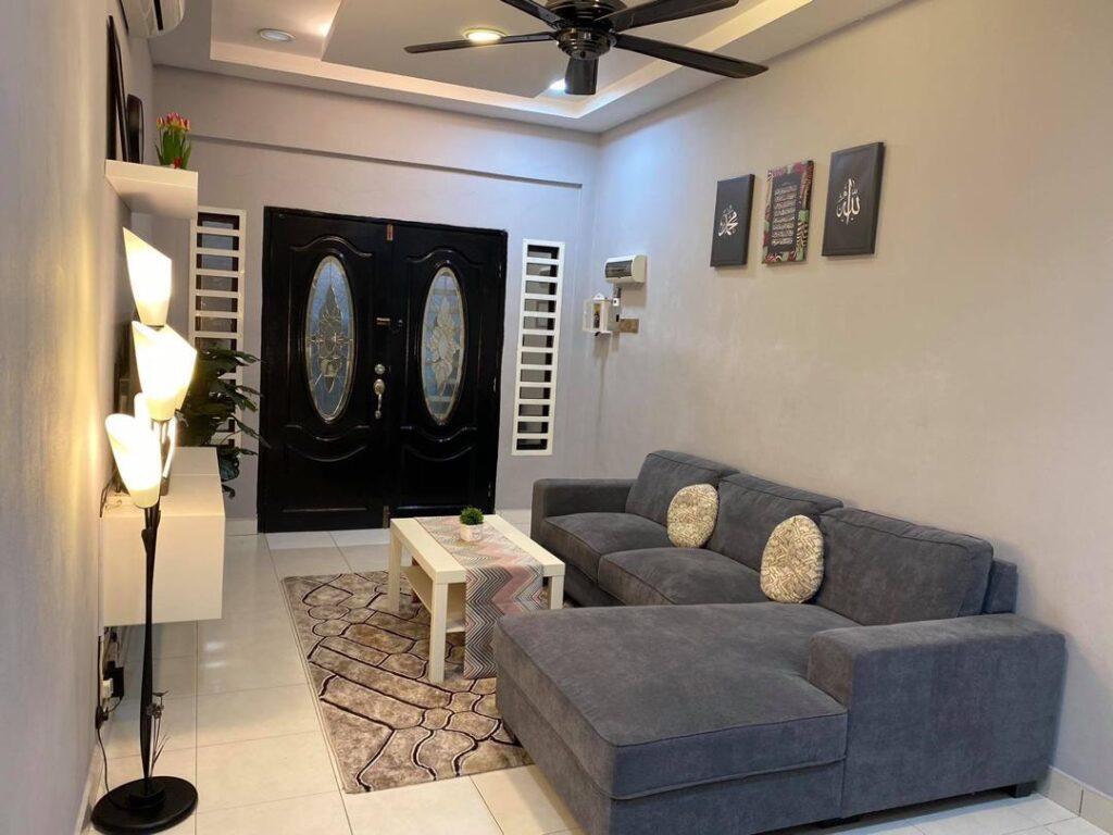 Idea Dekorasi Untuk Ruang Tamu Jenis Memanjang Rumah Teres Setingkat 22 70 Sqft Ilham Dekorasi